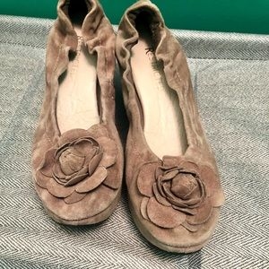 Restricted Shoes - 🌻Beige suede wedges size 7.5